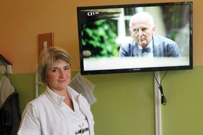Pacienti Nemocnice Český Těšín mají k dispozici nové televizory a křesla pro kardiaky
