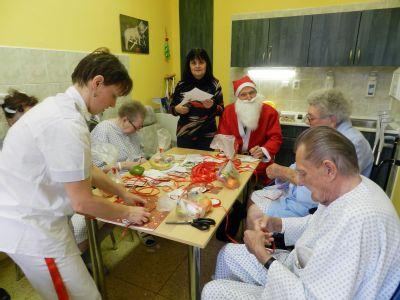 Pacienty Nemocnice Český Těšín navštívil Mikuláš