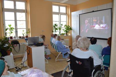 Pacientům v Nemocnici Český Těšín zpestřuje pobyt kinokavárna