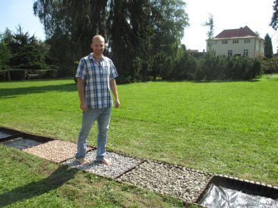 Nemocnice Český Těšín otevřela speciální rehabilitační chodník