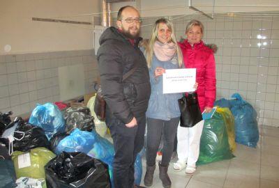 Nemocnice Český Těšín shromáždila ve Vánoční sbírce NADACE AGEL 230 kilogramů oděvů