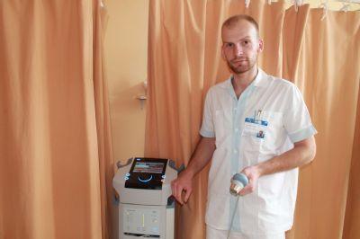 Českotěšínská nemocnice získala moderní přístroj pro rehabilitaci pacientů