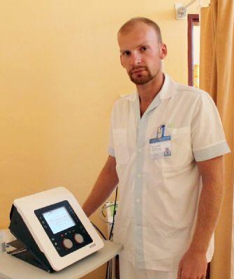 S inkontinencí bojují v Nemocnici Český Těšín úspěšně díky elektropřístroji