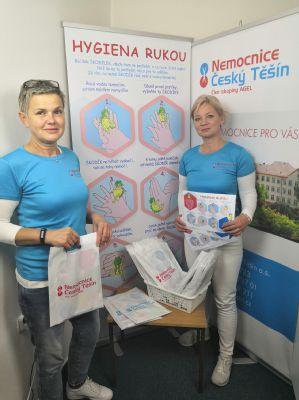 Bacílek Škodílek se zdravotníky Nemocnice Český Těšín míří do školek a škol učit správné mytí rukou